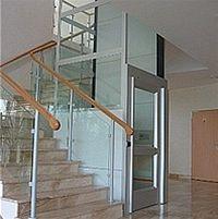 Bezbariérový vstup do budov zajistí schodišťové plošiny 1
