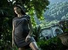 Brazilka Adriana Lima, která pózovala t�hotná, zase spolupracuje na programu