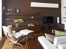 Dominantou ob�vac�ho pokoje je Lounge Chair Charlese Eamese zna�ky Vitra.