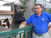 Ředitel chlebské zoo René Franěk je svérázná persona, na kterou se nezapomíná.