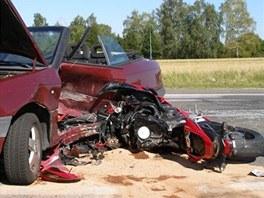 U Ho�ic zahynul p�i dopravn� nehod� motork��. (19. 8. 2012)