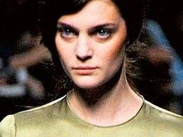 Oblečení je od Terezy Helbig, výraz je modelky vlastní.