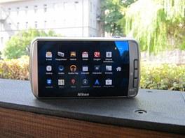 Android verze 2.3 na Nikonu Coolpix S800c.