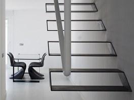 Subtilní jednoduché tvary jednotlivých schodnic jsou doslova sochařským dílem.