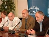 �lenov� peti�n�ho v�boru (zleva) Ing. Petr Mare�, Ing. V�clav Z�me�n�k a doc.
