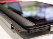 Toshiba 920t složená a připravená k použití jako tablet