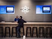 Specialisté na asistenci zákazníkům (Apple Genius) mají v každém obchode Apple