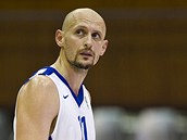 �eský basketbalový reprezentant Lubo� Barto�