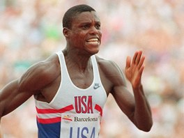 Americk atlet Carl Lewis zskal na olympijskch hrch v Barcelon 1992 zlato