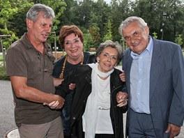 Miriam Kantorková, Jiřina Jirásková a Ladislav Trojan při natáčení filmu Školní