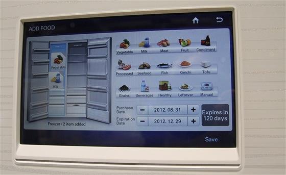 Lednička od Samsungu ví, co v sobě má. Pokud ji to tedy dopředu řeknete.