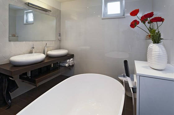 Koupelna, kterou Andrea sama navrhla, byla zvolena odbornou porotou slo�enou ze