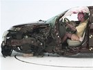 Crashtest s mal�m p�ekryt�m Lincolnu MKZ