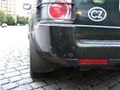 Zatímco na Land Roveru jsou vidět jen drobné škrábance, Jiří Novák odhaduje...
