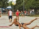 Hana Ma�l�kov� na ned�vn�m volejbalov�m turnaji v�lela.