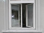 Zloděj vykradl od května do srpna 2012 celkem 15 ordinací.