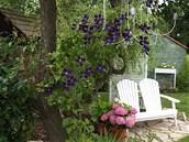 V zahrad� nechyb� romantick� posezen�.