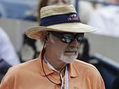 SKOT FANDÍ SKOTOVI. Slavný herec Sean Connery coby fanoušek tenisty Andyho