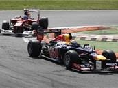 N�MECKO-�PAN�LSK� SOUBOJ. Sebastian Vettel b�hem Velk� ceny It�lie p�ed...