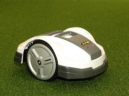 Nová robotická sekačka Alpine, kterou výrobce GGP představil na veletrhu