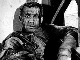 Rudolf Jelínek v roli hrdiny Jana Kubiše ve snímku Atentát z roku 1964.