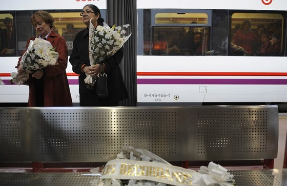 Madrid, p�t let� pot�. �eny uct�vaj� pam�tku ob�t� teroristick�ho �toku na
