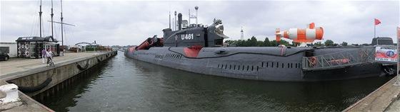 Muzeum v Peenem�nde nab�z� i samostatnou expozici se sov�tskou ponorkou.