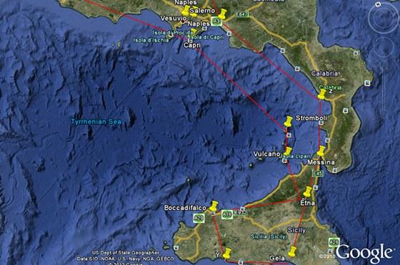 Mapka cesty z Tábora na Sicílii (nahoře) Detail letů nad sopkami (dole)