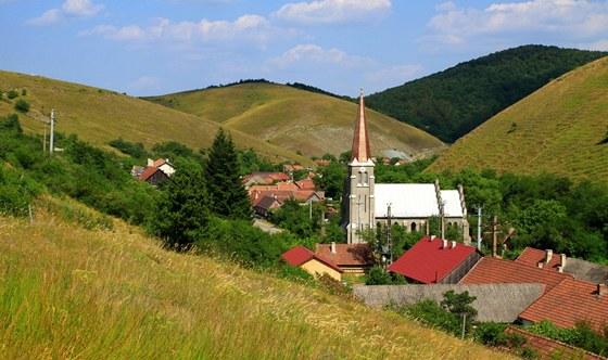 Pohled na eibent�lsk� kostel Sv. Jana Nepomuck�ho