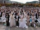 Jedna z hromadn�ch svateb, jimi� se Mun tak proslavil.
