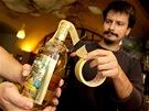 Pavel Baďura, provozní brněnské kavárny Trojka pečetí alkohol nedlouho po