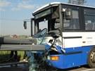 Hromadná havárie mezi Hradcem Králové a Jaroměří, při které se zranilo osm lidí.