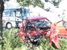 Při tragické dopravní nehodě se u Prostějova srazil osobní vůz s autobusem.