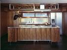 Majitelé si přáli skromnou kuchyň, která bude ladit s ostatním zařízením.