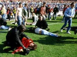 Tragédie na stadionu Hillsborough, kde v roce 1989 zahynulo v tlačenici 96 lidí