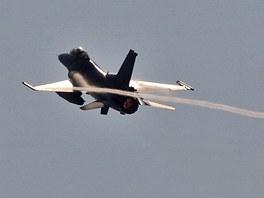 F - 16 p�i cvi�en� v N�m�ti nad Oslavou