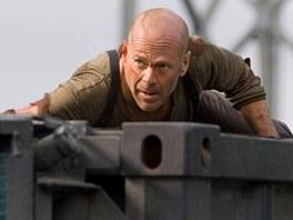 Bruce Willis jako John McClane. Tahle postava z něj udělala hvězdu.