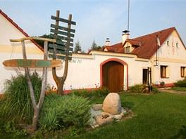 Osada Velk� Lond�n je sou��st� obce Rap�ach v okrese Jind�ich�v Hradec