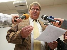 Přednosta Ústavu soudního lékařství v Ostravě Igor Dvořáček odpovídá na dotazy