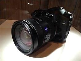 Sony Alfa 99. První full frame SLT (fotoaparát s elektronickým hledáčkem).