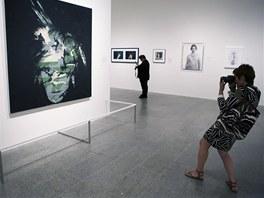 Andy Warhol: Autoportrét (1986) - z instalace Metropolitního muzea umění v New