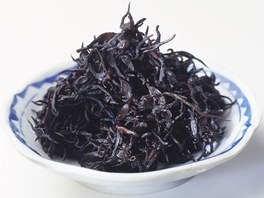 Řasa hijiki je obzvlášť bohatá na vápník a železo, dále pak obsahuje hořčík,