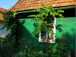 Fas�dy dom� h��� v�emi barvami a v ka�d� vesnici to vypad� trochu jinak.