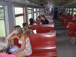 Interiér širokorozchodného vlaku