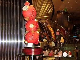 Hotel Aria. Kreace v jedné z cukráren, které milovníci sladkého nemohou přejít bez povšimnutí.