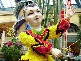 Hotel Bellagio, botanická zahrada. Začátkem února zde byla naaranžovaná k čínskému začátku nového roku. Květinoví bůžci potěší oko i duši.