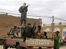 Bojovníci islamistického hnutí Ansar Dine v Timbuktu (31. srpna 2012)