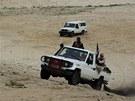Bojovníci islamistického hnutí Ansar Dine nedaleko Timbuktu (16. září 2012)