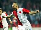 SEŠÍVANÝ HRDINA. Martin Latka se raduje z gólu, kterým v 73. minutě rozhodl...