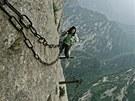 Na horu Huashan vedou dvě stezky. Ani jedna z nich ale bůhvíjaké bezpečí